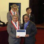 RECONOCEN TRAYECTORIA EN INVESTIGACIÓN  DE VICEDECANO DE LETRAS GONZALO ESPINO